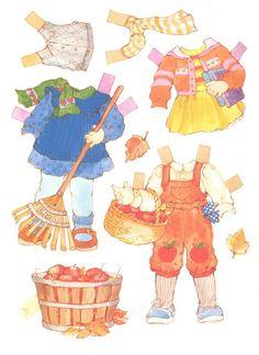 (⑅ ॣ•͈ᴗ•͈ ॣ)                                                            ✄Peanut Butter & Jelly paper dolls