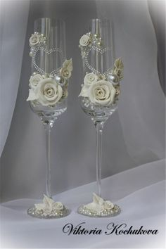 Elegant Wedding Champagne Glasses Decoration Ideas For A Perfect Rustic Wedding; Wedding Toasting Glasses, Wedding Champagne Flutes, Champagne Glasses, Toasting Flutes, Trendy Wedding, Elegant Wedding, Rustic Wedding, Decorated Wine Glasses, Painted Wine Glasses
