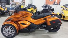 This is one of the first 2014 Can-Am Spyders we have seen in a dealership showroom. This is a 2014 Can-Am Spyder ST Limited in the new cognac color. Can Am Atv, Motos Harley, Ford Ranger Raptor, Can Am Spyder, Bobber Motorcycle, Car Wheels, Sport Bikes, Cool Bikes, Jeep Truck