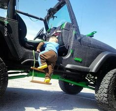 """this is @JeepwithKids approved """"@Jeep_Family: This is too adorable! #JeepKid #JeepFamily pic.twitter.com/tHV9gt4xFg"""""""
