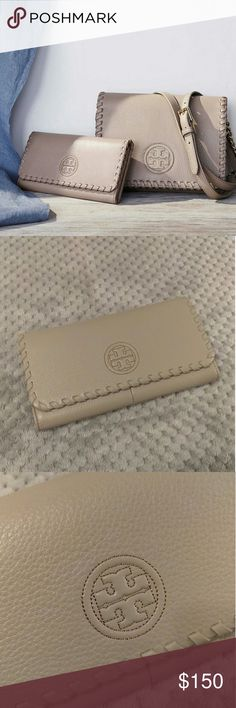NWT! Tory Burch Marion Envelope Wallet French Grey BRAND NEW with tags, Tory Burch French Grey Marion Envelope Continental Flap Wallet. Genuine pebbled leather, flap opening with 2 snap button closures. Credit card slots, cash slot, slip compartments, and a zippered coin compartment. From PET free and SMOKE free home. Tory Burch Bags Wallets
