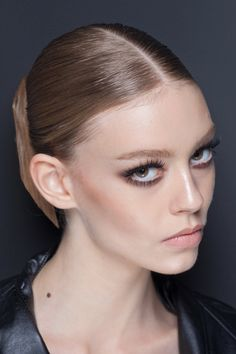 Spring 2013 Looks: Natural, glowing skin, fresh pink lips + soft smoky eye. A lovely daytime look to try.