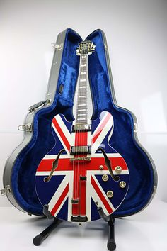 39 Guitars Basses Ideas Guitar Electric Guitar Jay Thomas