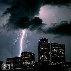 Blikseminslag tijdens onweer in Denver (V.S.)