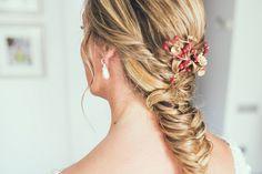 ef2015d83 Inspírate en estos cinco peinados de novia infalibles. Beatriz Álvaro