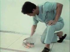 Un medic chinez îşi vindecă pacienţii printr-o tehnică extraordinară ! - YouTube