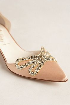 Blush glitter heels - perfect cocktail party or gala shoes Bridal Shoes, Wedding Shoes, Glitter Heels, Walk This Way, Dream Shoes, Trendy Shoes, Passion For Fashion, Fashion Shoes, Women's Fashion