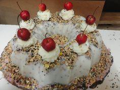 "Model ""turban""! Bird Cakes, Turban, Desserts, Model, Food, Tailgate Desserts, Deserts, Scale Model, Eten"
