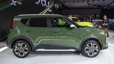 2020 Kia Soul gets fuel economy ratings boost: Filed under: Green,Kia,Crossover,Hatchback Versions powered by the… Kia Soul 2015, Economic Systems, Soul Train, Jeep Renegade, Fuel Economy, Future Car, Peugeot, Vintage Cars, Shopping