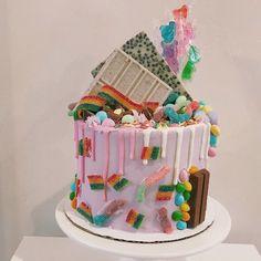 Instagram- @sweet.harmony.cakes Cool Birthday Cakes, Sweets, Candy, Desserts, Instagram, Sweet Pastries, Sweet, Toffee, Gummi Candy