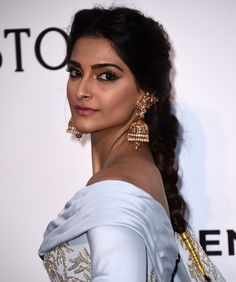 Sonam Kapoor # Amrapali earrings # fusion Jewelry
