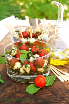 Apron and Sneakers - Cooking & Traveling in Italy: Perline di Mozzarella, Tomatoes & Basil (Insalata Caprese)