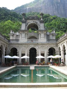 Parque Lage - Rio de Janeiro. Public park, with walking trails through subtropical forest, located in the Jardim Botânico neighborhood at the foot of the Corcovado.