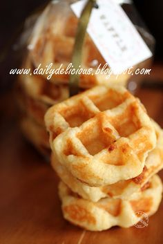 dailydelicious: Yeast Type Belgium Waffle: Soft and sweet treats !