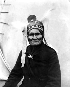 In 1886 Geronimo surrendered to U.S. authorities after a lengthy pursuit. As a prisoner of war in old age he became a celebrity and appeared in fairs etc., but was never allowed to return to the land of his birth. He later regretted his surrender and claimed the conditions he made had been ignored.