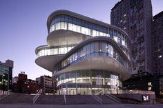 Wilmotte & Associés - Projet d'un centre culturel pour la ville de Daejeon.  Le projet comprend sur 5 étages : un théâtre, un espace d'exposition, un studio, des bureaux, et un parking.