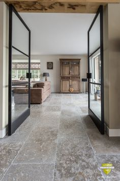 Tile trends 2019 - Home decoration is considered by some to be a character that reflects its owner. Not a few people who are willing to spend the costs that are not cheap to get a dream home concept. Stone Tile Flooring, Travertine Floors, Natural Stone Flooring, Kitchen Flooring, Concrete Floor, Küchen Design, Floor Design, House Design, Large Floor Tiles