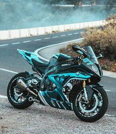 Bike Bmw, Moto Bike, Motorcycle Bike, Moto Ducati, Motorbike Girl, Kawasaki Motorcycles, Honda Motorcycles, Art Moto, Image Moto