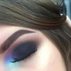 An oldie but a goodie FT @makeupgeekcosmetics Frappé, Morocco, Pop Culture • @anastasiabeverlyhills artist couture palette (for black shade) • @nyxcosmetics prismatic eyeshadow in Mermaid • @narsissist Albatross • @kokolashes Queen B • . . . #makeup #mua