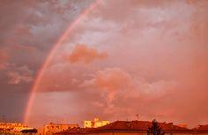 Fuori dalla finestra uno spettacolo a sorpresa.  #livorno #toscana #tuscany #italia #italy #rainbow #arcobaleno #colors #clouds #sky #igers #igerslivorno #igersitalia #volgolivorso #volgoitalia #volgotoscana #igerstoscana #igersoftheday #igers #igers #l4l #likeforlike #instalike #instamood #roofs #tetti #city