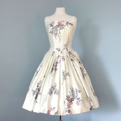 Vintage 1950s Cream Floral Watercolor Patterned Polished Cotton Party Dress