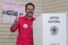 Agnelo apresenta novo atestado médico e está afastado do trabalho por mais 30 dias - http://noticiasembrasilia.com.br/noticias-distrito-federal-cidade-brasilia/2015/08/13/agnelo-apresenta-novo-atestado-medico-e-esta-afastado-do-trabalho-por-mais-30-dias/