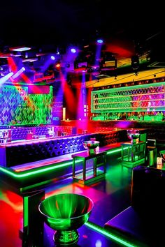 16 Unique Late-Night Spots Around the World to Check Out Night Bar, Night Club, Night Life, Pub Design, Lounge Design, Disco Licht, Bar Pics, Night Sky Photos, Nightclub Design