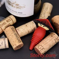 Upon seeing the stopper plug, the Qing Dynasty soldier cartoon wine stopper as barware makes a wonderful way to preserve freshness and taste of the wine, and adds with a touch of antique flavor.  #wine #Chinesestyle #design #3D #cute #corkhttp://www.sterxy.com/product/Kitchen-Kitchen-Acc-Bottle-Stoppers/Qing-Dynasty-Soldier-Wine-Bottle-Stopper/1523.html