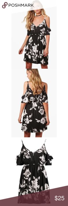 🆕 BooHoo Floral Cold Shoulder Ruffle Dress Brand new with tags. US size 4.  069 Boohoo Dresses Mini