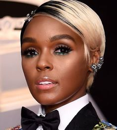 16 Time-Saving Products the Grammys' Head Makeup Artist Has in His Kit Saw Makeup, Makeup Looks, Celebrity Skin, Celebrity Red Carpet, Celebrity Style, Skin Primer, Vaseline Beauty Tips, Natural Hair Styles, Short Hair Styles