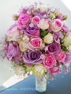 brautstrauss rund hortensien nelken schleierkraut rosen. Black Bedroom Furniture Sets. Home Design Ideas