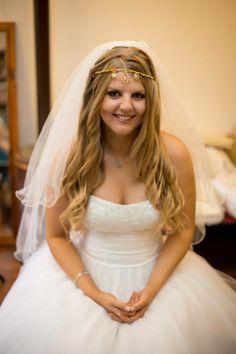 Handmade wedding tiara by Kirstin Hibbs