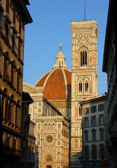 A great list of things to do in Florence.see the Duomo! Le Vatican, Visit Florence, Florence Italy, Italy Travel Tips, Budget Travel, Travel Plan, Travel Guide, Beautiful Places In The World, Most Beautiful Cities