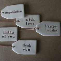DIY stamped clay gift tags in pottery. Fimo Clay, Polymer Clay Crafts, Ceramic Clay, Polymer Clay Jewelry, Ceramic Pottery, Ceramic Pendant, Slab Pottery, Porcelain Clay, Cold Porcelain