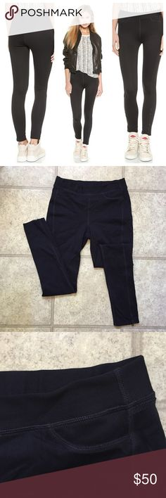Rag & Bone Lawson Leggings A subtle herringbone pattern lends a refined touch to these sporty Rag & Bone/JEAN leggings. Exposed seams trace the silhouette, and zips detail the ankles. Size M very good condition rag & bone Pants Leggings