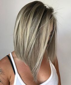 Medium Angled Cut for Straight Hair Inverted Hairstyles, Thin Hair Haircuts, Haircut For Thick Hair, Short Haircut, Edgy Medium Hairstyles, Guy Haircuts, Shaggy Haircuts, Haircut Medium, Medium Hair Styles For Women