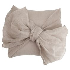 Cotton+pillow+with+a+bow+design.++  Product:+PillowConstruction+Material:+CottonColor:+Flax