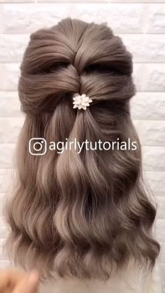 Top 10 Hairstyles For Girls 2020 Part 2 – Tutorial Per Capelli Hair Tutorials For Medium Hair, Cute Hairstyles For Medium Hair, Diy Hairstyles, Hairstyle For Long Hair, Cute Medium Haircuts, Belle Hairstyle, Super Easy Hairstyles, Round Face Haircuts, Haircuts For Fine Hair