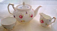Aynsley Florida. Vintage Aynsley Teapot Milk by PrettyVintageHome