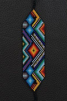 SALE Off Eye of Mother Earth Bracelet por myilumina en Etsy Más Seed Bead Patterns, Peyote Patterns, Jewelry Patterns, Bracelet Patterns, Beading Patterns, Beaded Braclets, Bead Loom Bracelets, Woven Bracelets, Bead Loom Designs