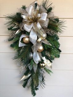 Christmas Door Swag, Cream and Gold Swag, Cream and Gold Christmas Wreath, Holiday Swag with Bow Gold Christmas Decorations, Christmas Door Wreaths, Christmas Swags, Holiday Wreaths, Rustic Christmas, Holiday Crafts, Christmas Christmas, Primitive Christmas, Diy Wreath