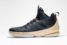 8470a7b1436 Jordan Melo M11 Black Gold | Sole Collector Zwart Goud, Adidas Gymschoenen,  Jordans