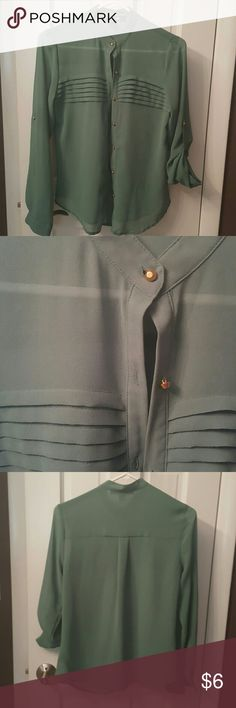 F21 sheer top Button down, gold accent, excellent condition Forever 21 Tops Button Down Shirts