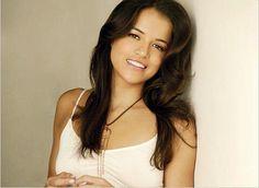 Michelle Rodriguez Autographed Portrait Photo - authentics deal for friends Celebrity List, Celebrity Crush, Celebrity Photos, Celebrity Style, Michelle Rodriguez, Beautiful Gorgeous, Gorgeous Women, Beautiful Celebrities, Puerto Rico