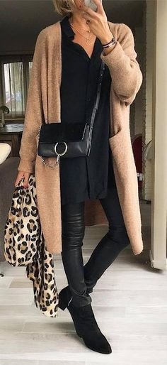 30 Ways To Master The Fashion Girl's Winter Uniform - winter trends Plaid Fashion, Tomboy Fashion, Green Fashion, Trendy Fashion, Fall Fashion Trends, Winter Fashion, Mode Outfits, Casual Outfits, Look Blazer