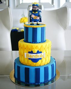Clash Games provides latest Information and updates about clash of clans, coc updates, clash of phoenix, clash royale and many of your favorite Games Beautiful Birthday Cakes, Beautiful Cakes, Torta Clash Royale, Bolo Fack, Royal Cakes, Royal Party, Clash Of Clans, Fondant Cakes, Cupcake Cookies