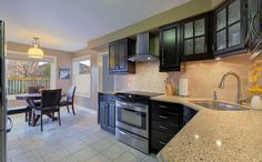 3014 Bayberry Drive in #Meadowvale - Gourmet Eat-In #Kitchen with Quartz Counters - www.robkelly.ca