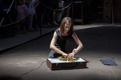 OSCILLATIONS - Performance piece that uses the unpredictability of music and sound to create a visual image