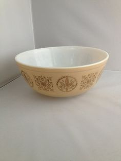 On Sale Very Rare Tan and Gold Hex  4 Quart Pyrex Promotional Mixing Bowl Retro Kitchen Baking Dish 404