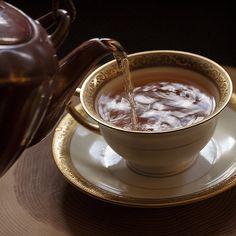 A cup of tea for Mona Cuppa Tea, Tea Art, My Tea, Aesthetic Food, Drinking Tea, Afternoon Tea, Hot Chocolate, Tea Time, Tea Cups